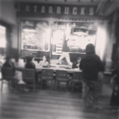 奉母親命令來買咖啡,有種要等到天荒地老的感覺…