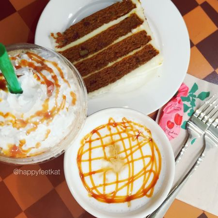 Cheat day.☺️ Starbucks UAE Starbucks Coffee My Dubai Dubai Weekend Caramel Macchiato Caramel