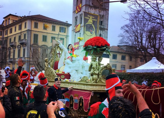 Carnival Crowds And Details Carnivale Di Ivrea Millers Daughter Oranges