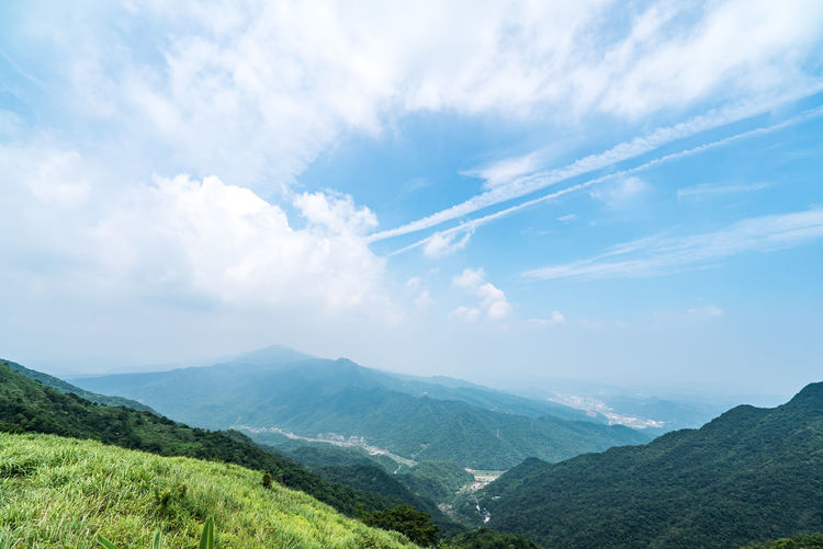 Cloud - Sky Beauty In Nature Scenics - Nature Mountain Tranquil Scene Tranquility Sky Environment Non-urban Scene Landscape Mountain Range Nature Idyllic Green Color No People Plant Day Land Remote Tree Outdoors Mountain Peak