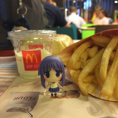 Good afternoon 🐷🍟🍔❤️🐷👧🏼 Enjoying Life Hanging Out Relaxing Taking Photos Have A Nice Day I Like You. Foodphotography Toy Photography Happy Time Haveing Fun
