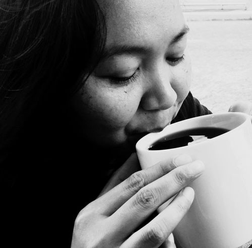CoffeeLove Face Drinking Coffee Woman Drinking Coffee Lady Home Coffee Time Coffee Coffee Cup Coffee Break Coffee ☕ Black Coffee Mug Drink Black And White Black And White Photography Black And White Portrait Human Face Childhood Human Nose One Person Real People Close-up EyeEm Selects