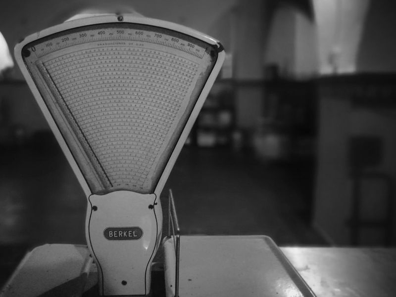 Focus On Foreground Electricity  Indoors  No People Technology Close-up Nightlife Berkel Antique Vintage GrungeStyle Myurbaneye Myvision Night Blackandwhite Movilphotographer HuaweiP9 Huawei P9 Leica HuaweiP9Photography Monochrome Photograhy Huaweiphotography
