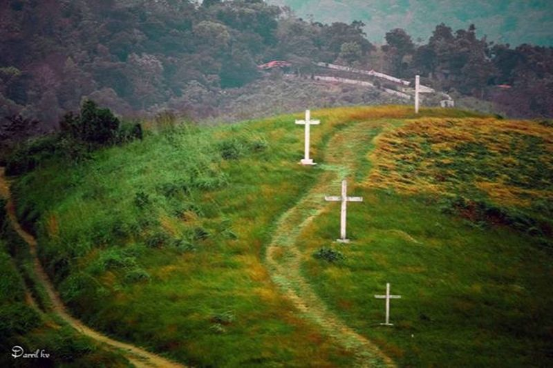 Waytoheaven Crosshill Panchalimedu Cross Photographie  Photooftheday Fotomoodactivated MyPhotography Myfavoritplace Travel Travelgram Traveler Igtravel Peace Green Landscape_captures Peacefulheaven Instagram HASHTAG Instadaily Instalikers Instamoods