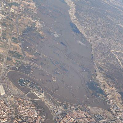 Volando sobre el Ebro el 4 de marzo 2015. Riada Zaragoza Igerszgz Igersaragon nature river Zaragozadestino Ebro