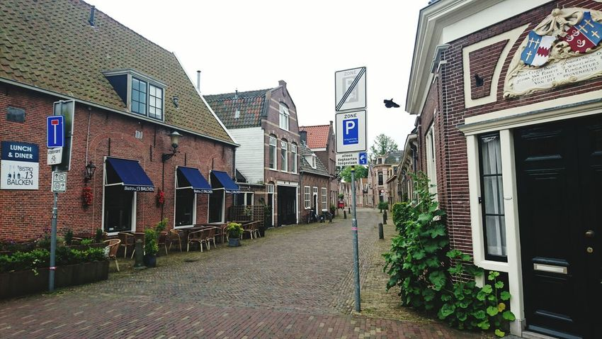 Alkmaar Pitoresque Small Street Love The World Cloudy Day The Netherlands