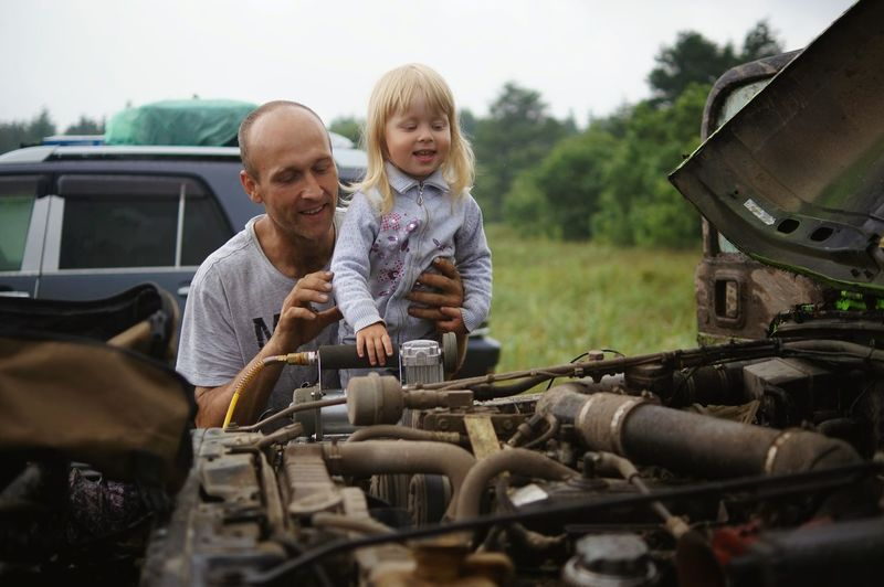 Father Family With One Child Adult Car Blond Hair Repairing Child Outdoors Girl Auto Autopartes