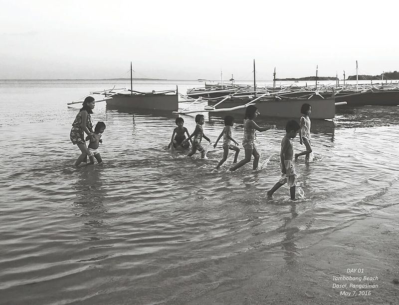 Local Children doing their their Sunset Swim in Tambobong Beach Pangasinan People Of The Oceans Nature Island Life Philippines Outdoor Photography Travel Photography Mobile Photography XperiaZ5 Sony Outdoor Fresh On Eyeem  Feel The Journey Original Experiences Eyeem Philippines Showcase June
