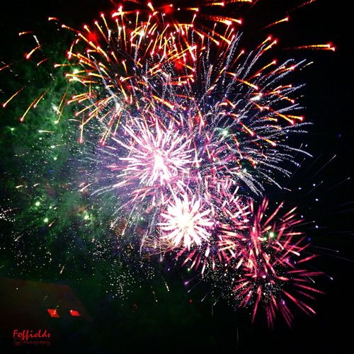 Feu d'artifice Celebration Night Firework Display Firework - Man Made Object Illuminated Event Multi Colored Cotesdarmor Joie Outdoors Petard Harbour Harbor 14juillet 14thJuly Brittany Colors Exploding Birthday Revolution Bastille Light In The Darkness