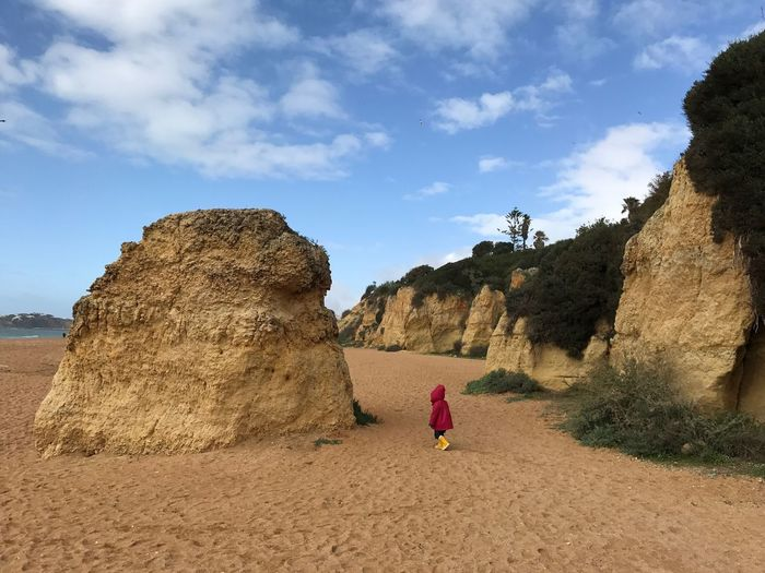 Real People Sky Full Length One Person Lifestyles Leisure Activity Toddler  Kid Children Albufaira Outdoors Cloud - Sky Nature Day Rear View Sand Standing Beach Beauty In Nature