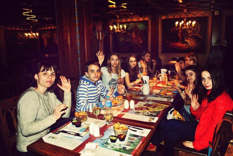 зайшли в ресторан в Disneyland Paris