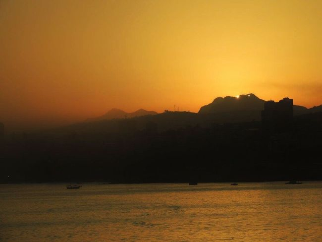 Good Morning Have A Nice Day! Sunrise Sunrise_Collection Sun Reflection On Water Sunrise Silhouette View Of Aconcagua🌄 Bay Of Valparaiso From My Office Window