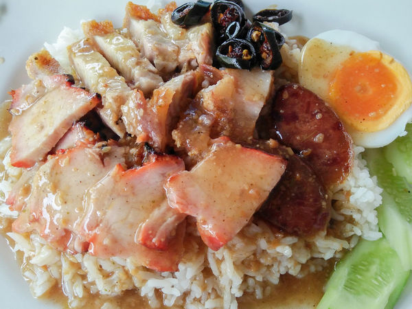Barbecued red pork crispy pork Thai sausage and boil egg in sauce with rice Asian  Barbecued Pork Chinese Food Rice Thai Rice Thai Sausage Thailand Boil Egg Close-up Crispy Pork Delicious Egg Food Food And Drink Gravy Gravy Sauce Local Food Sauce Street Food Thai Food