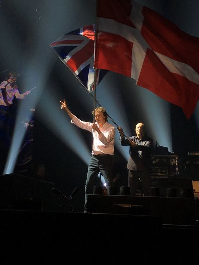 Denmark 🇩🇰🇩🇰🇩🇰 Boxen Herning Music Brings Us Together Music Is My Life Paul Mccartney ❤🎼🎶🎤 Loudness Loud Music Lots Of Fun Lots Of Memories Focus On Foreground Large Group Of People Concert Vibrant Color People Danish Flag British Flag Selective Focus Night Lights Night Photography Concert Hall  PEACE FROM PAUL TO US !!! Consert