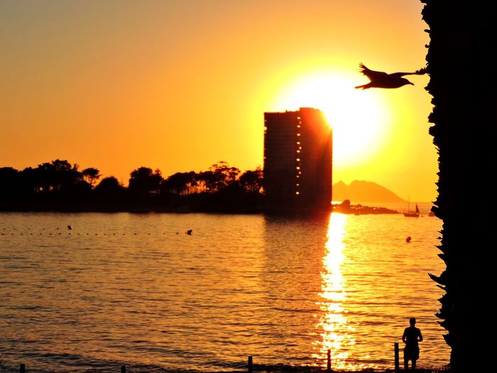 Sunset... Sunset Water Sun Sky Outdoors Sunlight Nature Sea Beach Nature Landscape Vigo Sunset Playa Vigo Capture The Moment Galifornia Heat - Temperature Toralla Island Flying Galicia Real People Lightning Seascapes