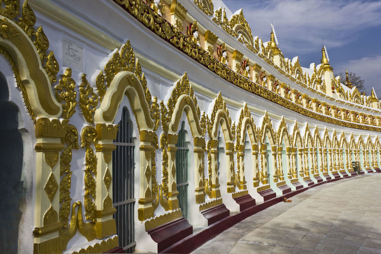 U min thonze buddhist temple in myanmar