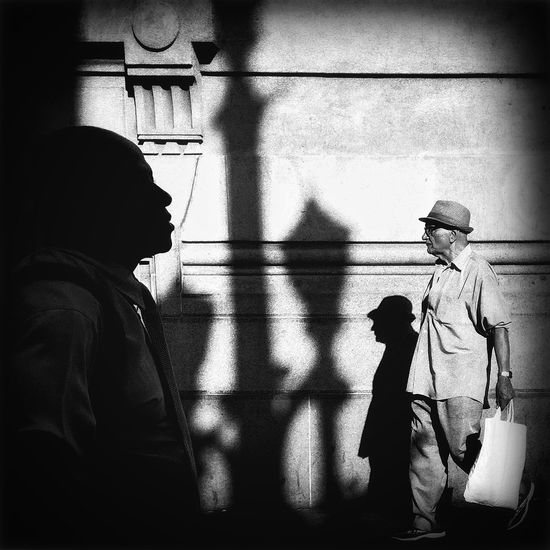 Shootermag Streetphoto_bw Black & White Saopaulo Chasinglight Streetphotography EyeEm Best Shots - Black + White IPS2016People Silhouette Light And Shadow Strideby Hat Street