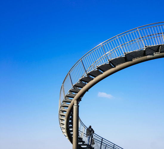 Sky Clear Sky Blue Low Angle View Staircase Railing Architecture Steps And Staircases Built Structure Day Nature Metal Amusement Park Sunlight Amusement Park Ride Curve Spiral Spiral Staircase Picoftheday Blauer Himmel Blau