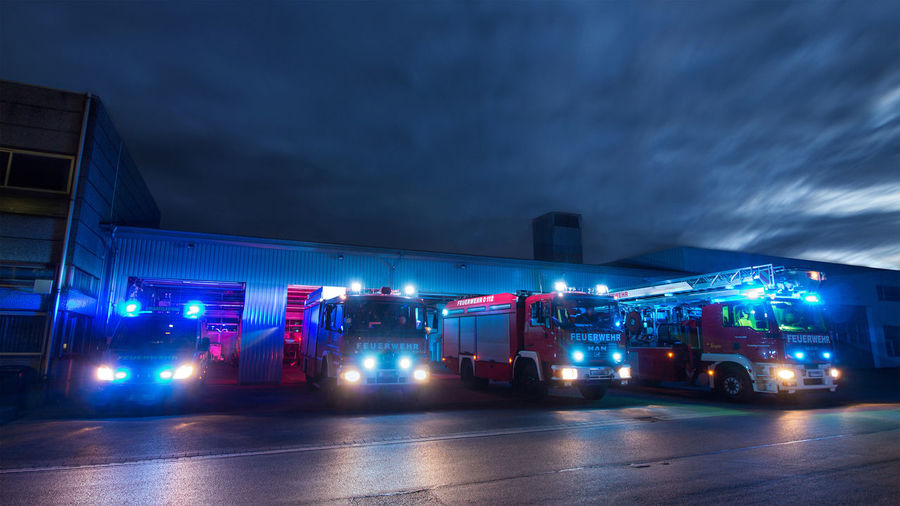 Feuerwehr Feuerwehrfahrzeug Drehleiter Ehrenamt Ehrenamt Aus Leidenschaft Teamwork Gefahr Einsatz Einsatzfahrzeuge Löschfahrzeug Feuer Firefighter Fireservice Fire Department Action