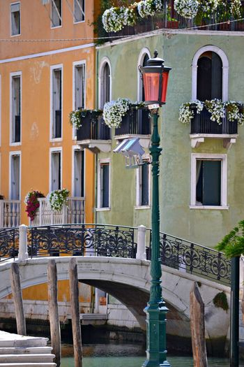 Building Exterior Outdoors Travel Destinations Architecture No People Flower Day Window Box Gondola - Traditional Boat Balcony Outdoor Photography Colours Cornerstreet Colours Of Life Veneza Venice, Italy Italy Recantos Da Cidade Yelow & Green Recantos