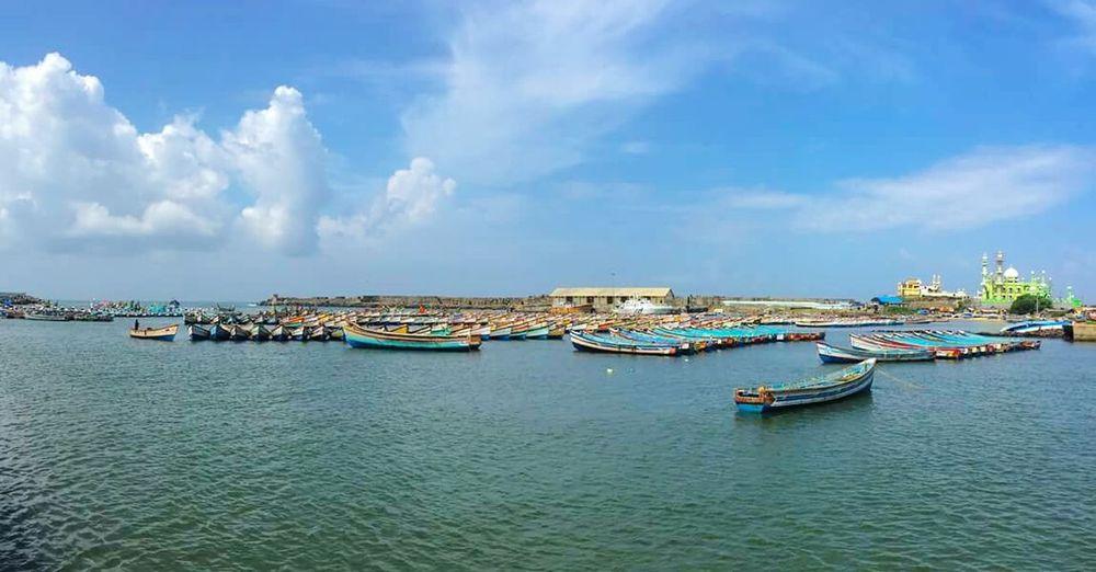 India Travel Travelphotography Beautifulindia Kerela Sea And Sky Seascape Boats⛵️ Fishermen Fishing Boats