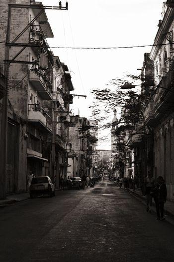 Cuba Streetsofcuba Havana Cubanlife Travel Black And White Blackandwhite Cuba Streets Streetphotography Street Photography Habana Cuba Collection Cuban People The Street Photographer - 2017 EyeEm Awards Old Cars Been There. Edelweiss