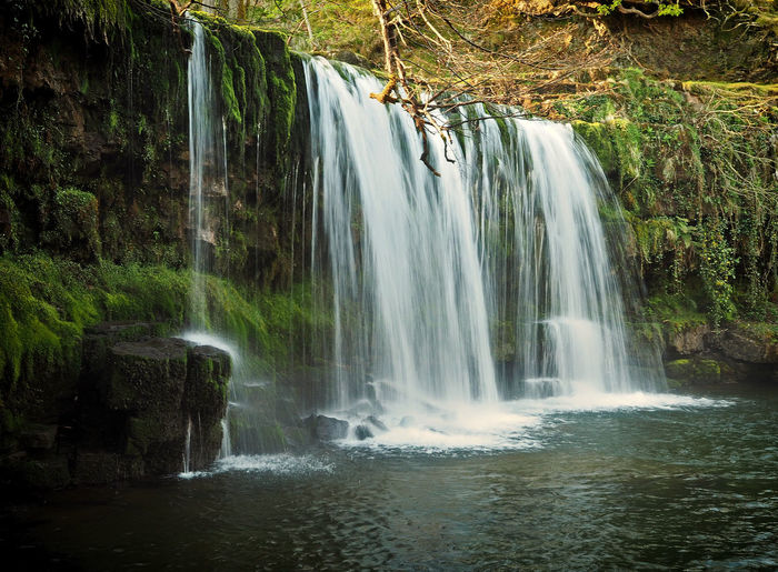 #SgwdddliUchaf #Wales Brecon Beacons Brecon Beacons National Park National Park Olympus Olympus OM-D EM-1 Waterscape Beauty In Nature Forest Long Exposure Motion Nature Naturesbeauty No People Outdoors River Scenics Southwales Water Waterfall