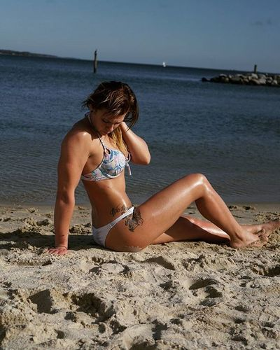 @heyitsmemakay December Beach Makay Fitness Beautiful Sexy Model Hardwork Fitchick Wifey Wifematerial Cellucor A6000 Sonyalpha 35mm Victoriasecret Beachbody Luckyme Yorktownbeach @official_fitgirls @katyhearnfit @haydnscheinder @ravishsands