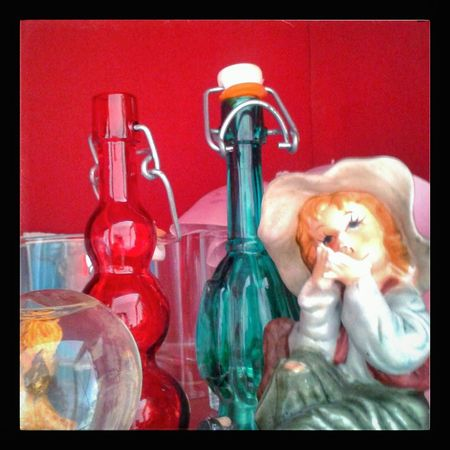 """Don't ask HeEm why"". Tom Sawyer Glass Bottles Glass Figurines  Monello Smoker Snowball Objects Kitschy Red and Green Smartphone Photography S3mini Camerazoomfx HDR shooting mode Snapseed"