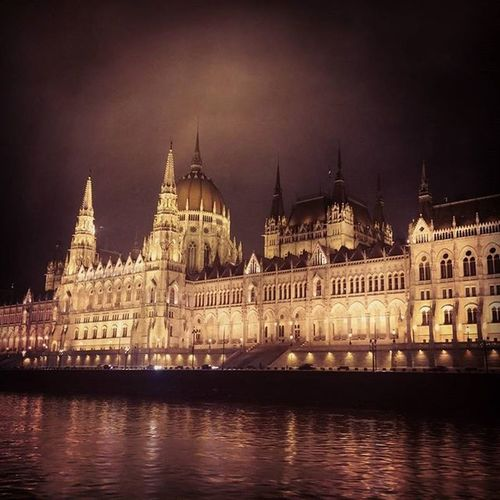 Beautiful Budapest at night. Contiki Noregrets Budapest Adventure Club