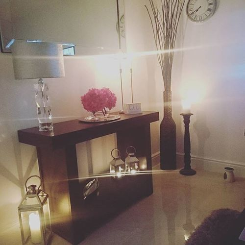 LOVE a candle.. Interior Shabbyyhomes Design Hem_inspiration homestylinginspo decor homedecor candles