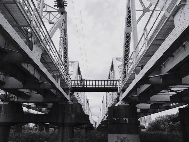 朝寝坊しての朝ランʔ•̫͡•ཻʕ Morning Run Jogging Relaxing Ironbridge  Riverside OSAKA JPN モノクローム Monochrome
