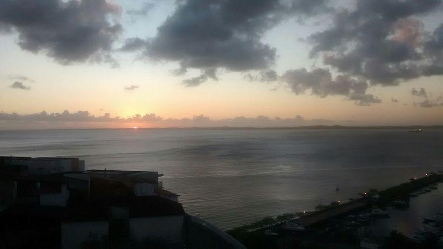Lindo pôr do sol. Sunset