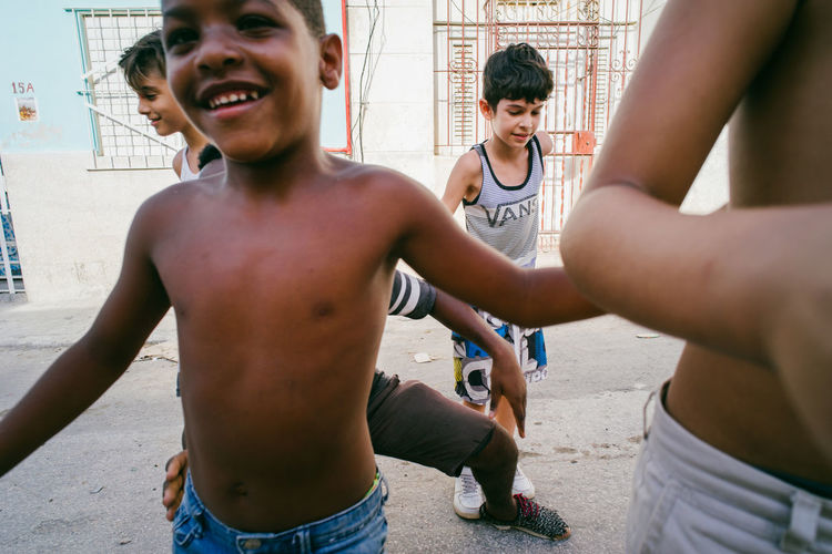 What's your first impression of Cuba?? Cuba Cuba Collection Cuba Streets The Photojournalist - 2018 EyeEm Awards The Street Photographer - 2018 EyeEm Awards The Traveler - 2018 EyeEm Awards Cuban Life Street Photography #urbanana: The Urban Playground