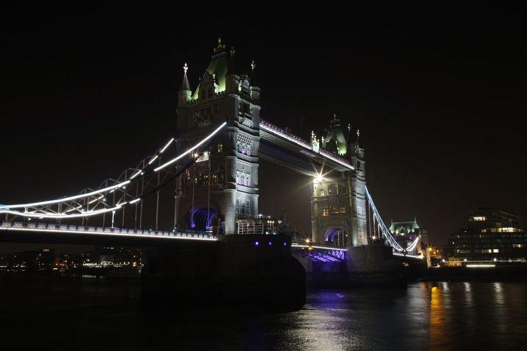 EyeEm LOST IN London EOS 6D EF 24-105mm London Tower Bridge  Night Landmark Landscape Illuminated Built Structure Travel Destinations City River Bridge Bridge - Man Made Structure Reflection Architecture Cityscape No People
