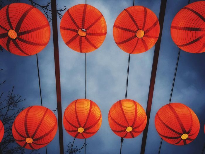燈籠 Hanging Lantern Lighting Equipment Decoration Chinese Lantern Low Angle View Celebration