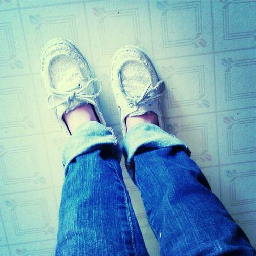 boyfriend jeans & sperrys(: