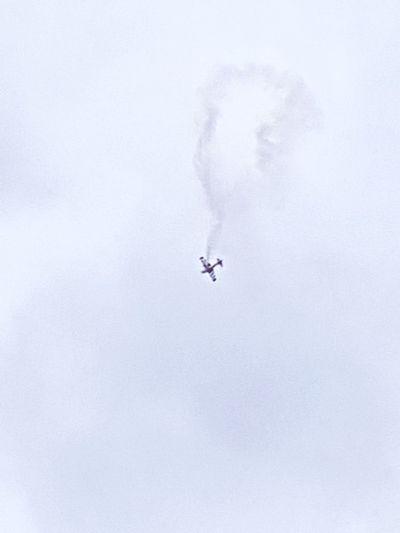 airplane losing