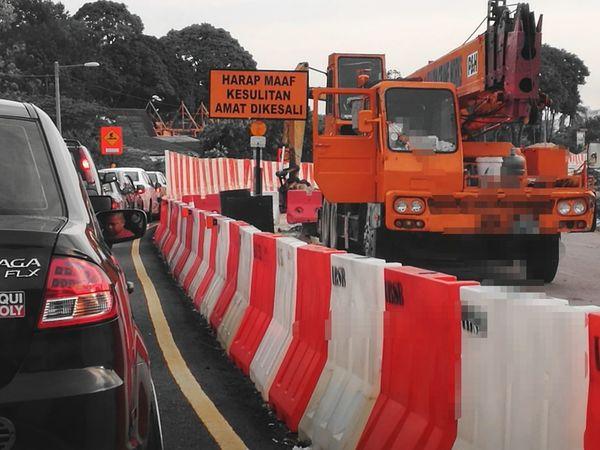 Traffic Roadworks Traffic Signs Traffic Jam Red And White Orange Partial Colour Black Car Melaka , Malaysia New Rail Link Commuting Life Morning Rush Hour