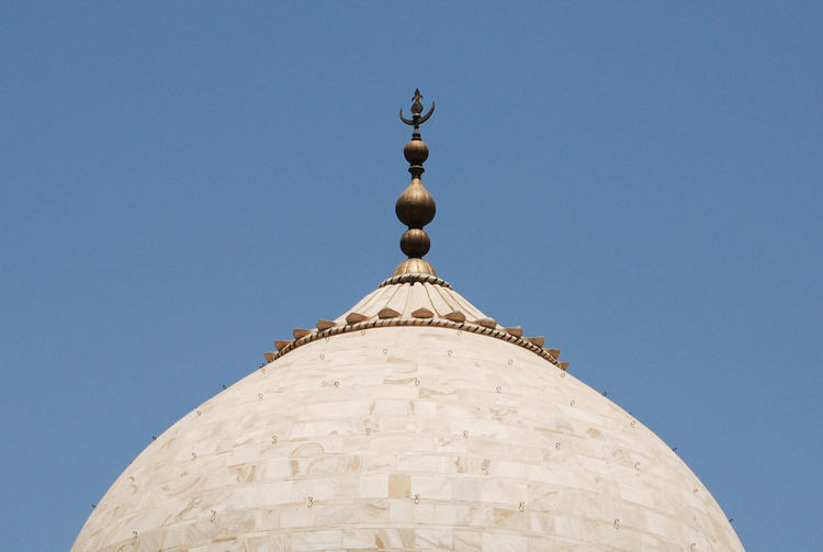 Taj mahal Architectural Feature Architecture Blue Building Exterior Built Structure Clear Sky Day Dome High Section Low Angle View National Landmark No People Outdoors Spire  Taj Mahal Taj Mahal India Taj Mahal, Agra Taj Mahal, India, Wonder, Love, Mughals, Place Of Worship Tajmahal