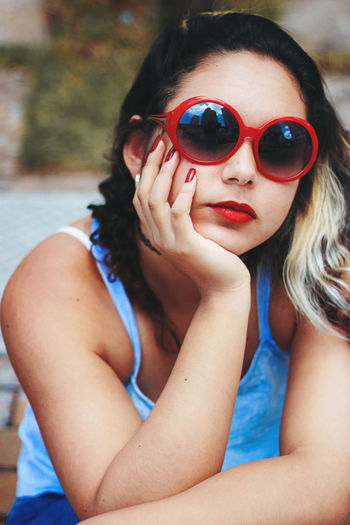 Summer, 2015 Fashion Nails Portrait Of A Woman Red Beautiful Woman Childhood Close-up Curly Hair Day Fashion Photography Girls Lifestyles Looking At Camera One Person Outdoors People Portrait Portrait Photography Real People Red And Blue Red Lips Self Portrait Sunglasses Tree Young Adult