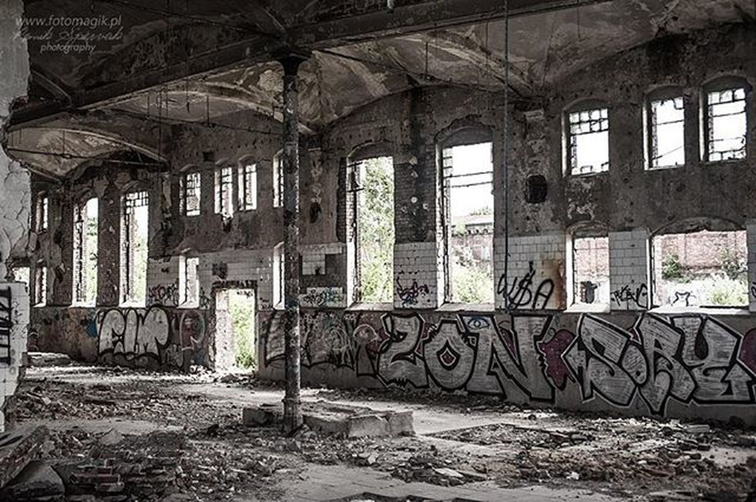 architecture, indoors, built structure, abandoned, obsolete, damaged, run-down, deterioration, window, interior, old, messy, bad condition, weathered, ruined, broken, building, destruction, old ruin, day