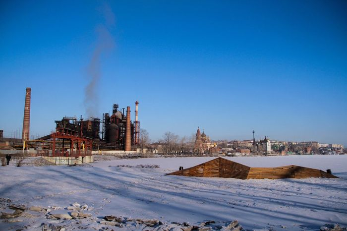 небо зима урал город сатка Cold Temperature Built Structure Winter Snow Architecture Smoke Stack Building Exterior Clear Sky Industry Sky Blue Day Nature Factory
