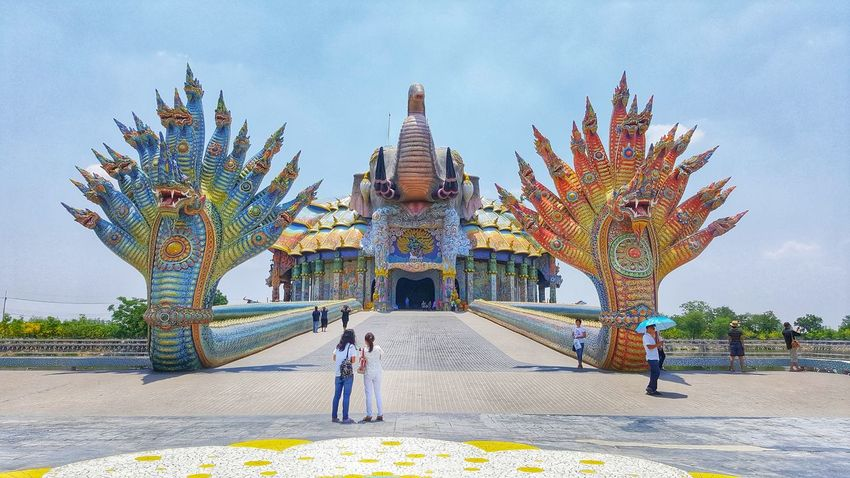 Architecture People Large Group Of People Sky Outdoors Day Travel Destinations Built Structure Full Length Building Exterior Adult City Crowd Adults Only Only Men Thailand EyeEm Dragon