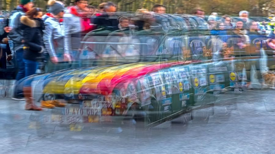 2018 365project 4L Trophy Cinquantenaire Park Brussels Blurred Motion Crowd Large Group Of People Motion Outdoors Raid Rallye Renault Speed Start