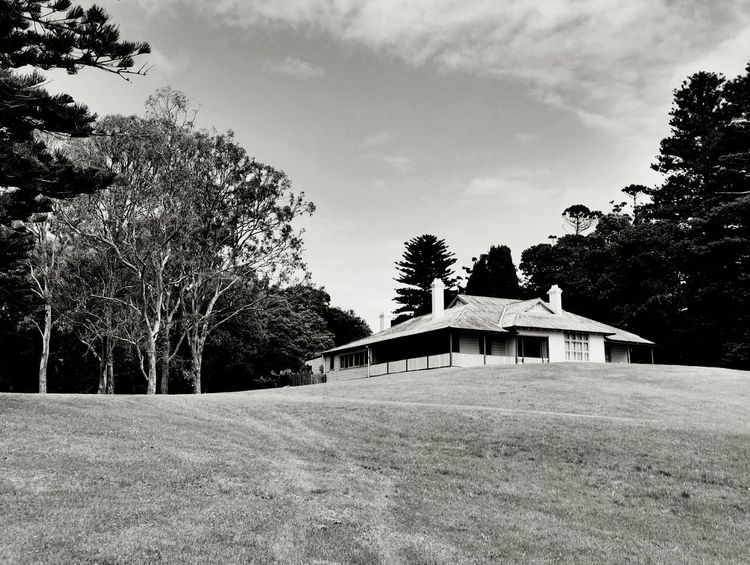 Captain Cook Hillside Balck And White Blackandwhite Black&white Blackandwhitephotography EyeEm Best Shots - Black + White Black And White Collection  Sydney Photography Sydneyphotographer The House On The Hill