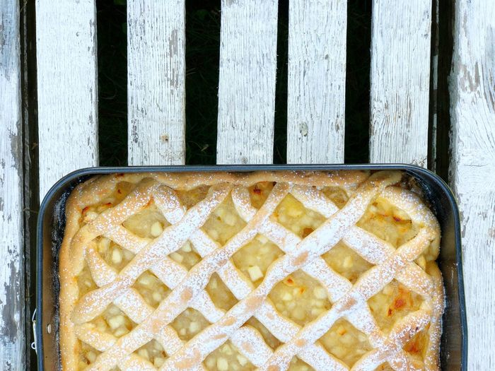 Apple Cake Apple Pie Pie Homemade Top View Sweet Food Directly Above Food And Drink Freshness Close-up High Angle View No People Wood - Material Dessert Ready-to-eat Pattern Baking Sheet Still Life Baked Container Healthy Eating Metal Sweet Food Tray Temptation Snack