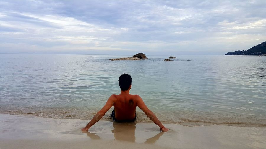 Beach Sea One Person Sand Back Shirtless Adult Paradise Koh Samui Honeymoon Mobile Photography S6photography Rocks And Water Mobilephotography Relaxing Scenics Blue Sea Beauty In Nature