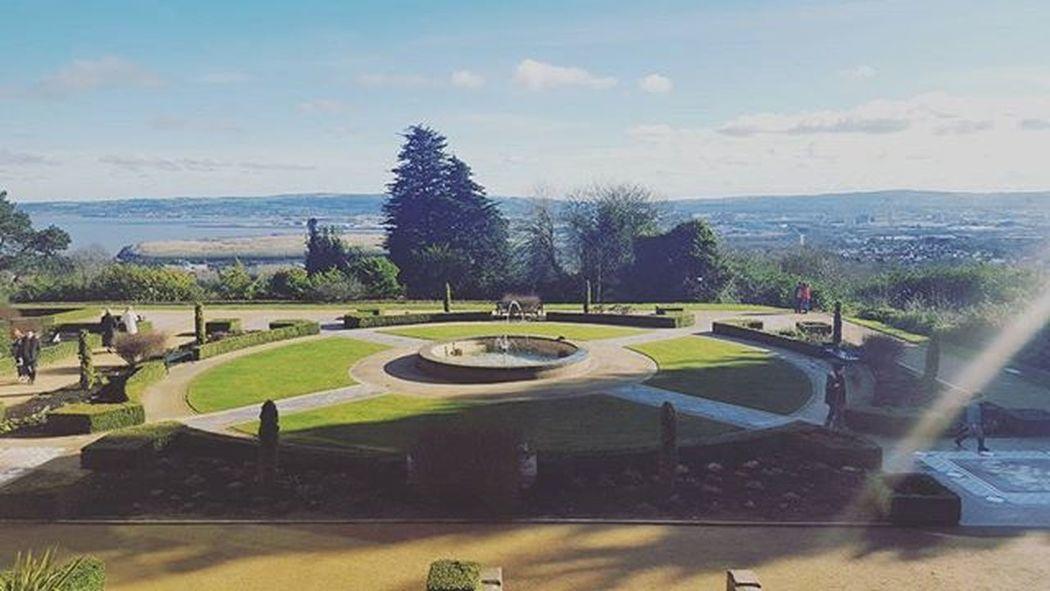 The garden and the view 😍 Belfast Irland Visitni Visitbelfast Instabelfast Latergram Vscocam VSCO Vscoirland DiscoverNI Architecture Pointofview Belfastcastle Garden View