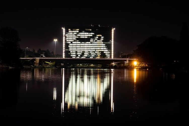 Grattacielo ENI Caneaseizampe Eni EUR Roma Reflection Night Water Built Structure Architecture Illuminated Building Exterior